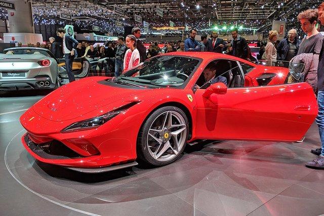 Ferrari_F8_Tributo_09.jpg