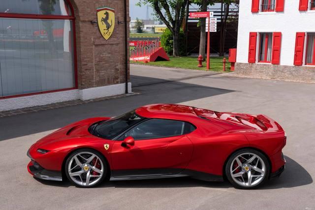 Ferrari_SP38_2018_04.jpg