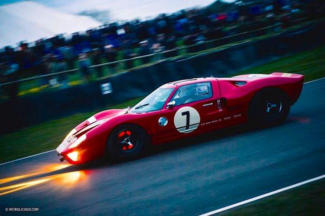 Ford_vs_Ferrari_06.jpg