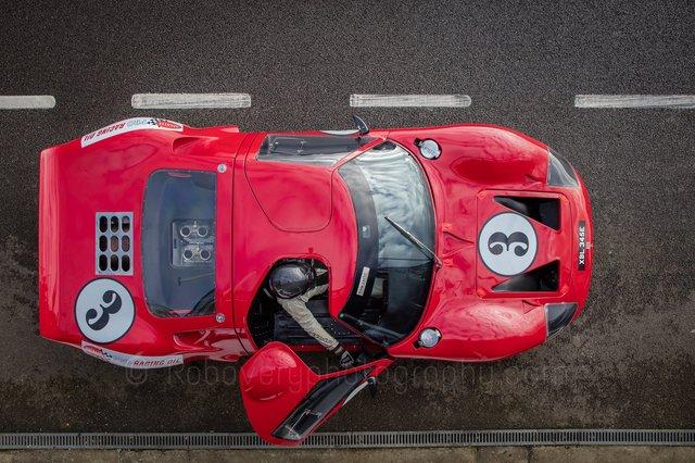Ford_vs_Ferrari_07.jpg