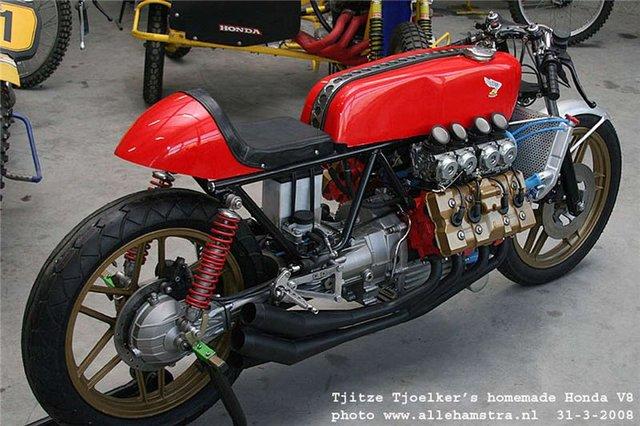 Honda_V8_Cafe_Racer_by_Tjitze_Tjoelkers_02.jpg