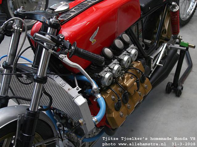 Honda_V8_Cafe_Racer_by_Tjitze_Tjoelkers_05.jpg