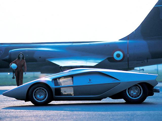 Lancia_Stratos_Zero_by_Bertone_08.jpg