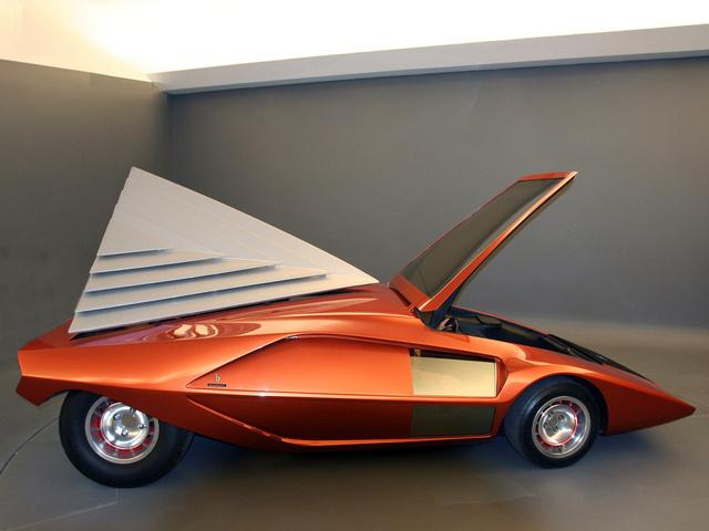 Lancia_Stratos_Zero_by_Bertone_16.jpg
