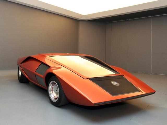 Lancia_Stratos_Zero_by_Bertone_17.jpg