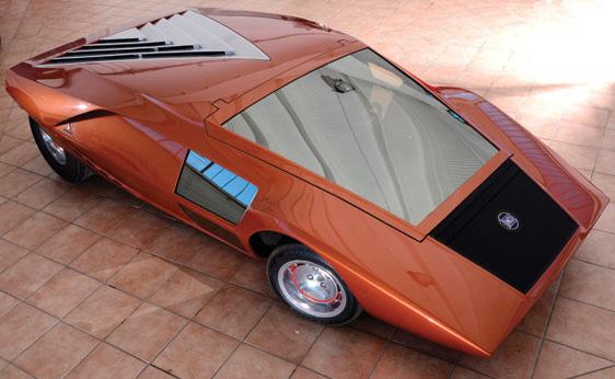 Lancia_Stratos_Zero_by_Bertone_22.jpg