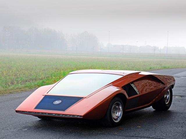 Lancia_Stratos_Zero_by_Bertone_34.jpg