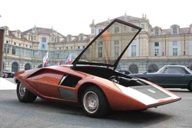 Lancia_Stratos_Zero_by_Bertone_43.jpg
