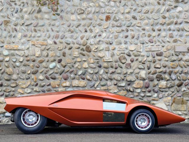 Lancia_Stratos_Zero_by_Bertone_46.jpg