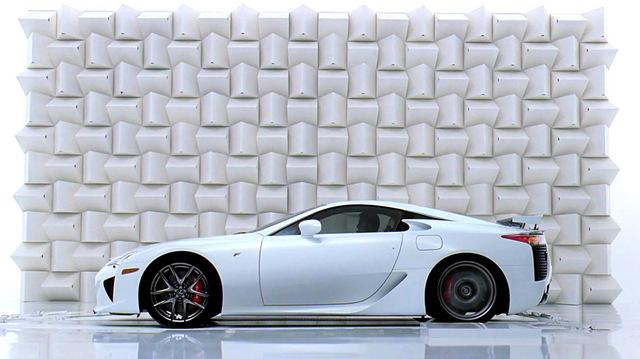 Lexus-LF-A-Engine-Sound_m_side.jpg