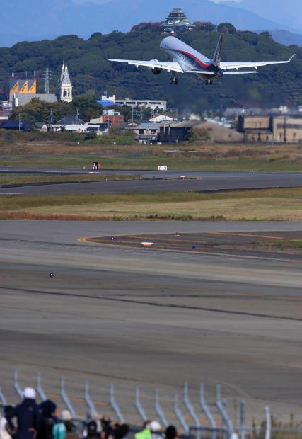 MRJ_first_test_flight_10.jpg