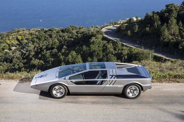 Maserati_Boomerang_for_sale_07.jpg