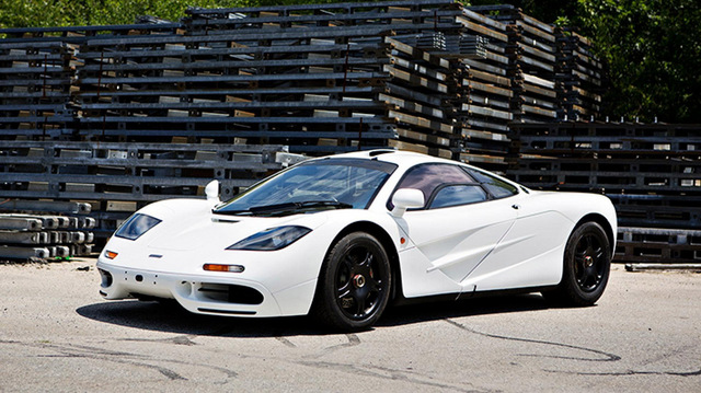 McLaren F1 white for sale_02.jpg